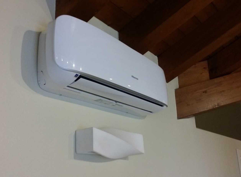 installazione climatizzatore Hisense comprato dal cliente un. interna